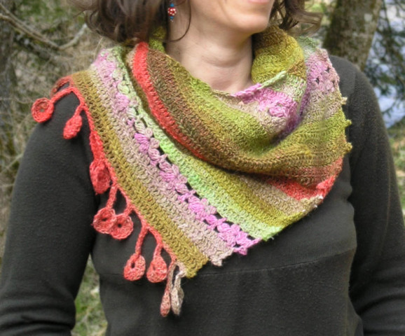 Dancing marguerites shawl by Sylvie Damey